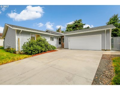 Forest Grove OR Single Family Home For Sale: $310,000