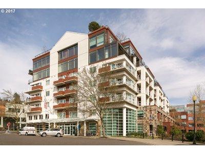 Condo/Townhouse For Sale: 455 SW Hamilton Ct #603
