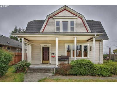 North Bend Single Family Home For Sale: 1493 Sherman