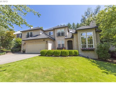 Lake Oswego Single Family Home For Sale: 14045 Chelsea Dr