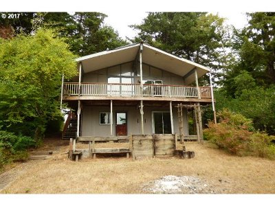 Coos Bay Single Family Home For Sale: 63416 Sea Spray Dr