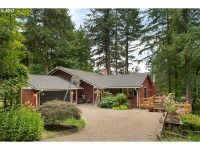 Lake Oswego Single Family Home For Sale: 4 Bernini Ct