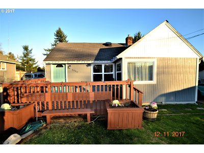 Portland Single Family Home For Sale: 4930 SE 113th Ave
