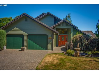 Lake Oswego Single Family Home For Sale: 2612 Orchard Hill Ln