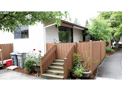 King City OR Condo/Townhouse For Sale: $137,500