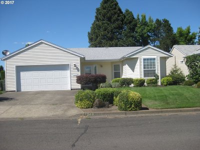 Woodburn Single Family Home For Sale: 1349 Mulberry Dr
