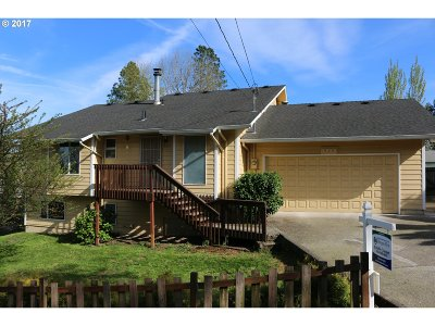 West Linn Single Family Home For Sale: 2720 Magone Ln