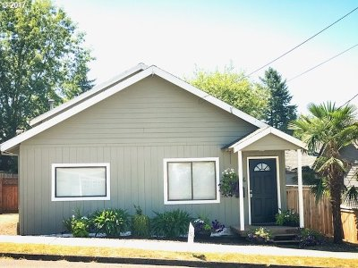 Oregon City Single Family Home For Sale: 1416 16th St