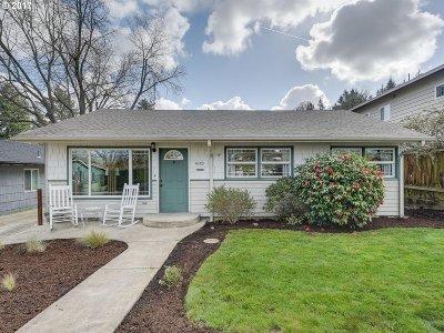 Lake Oswego Single Family Home For Sale: 1033 Hallinan St
