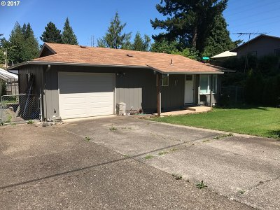 Estacada Single Family Home For Sale: 425 SW Elm Rd