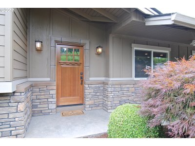 Tigard Single Family Home For Sale: 10450 SW Del Monte Dr