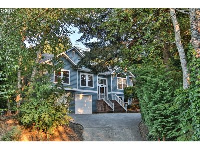 North Bend Single Family Home For Sale: 2295 Hamilton Dr