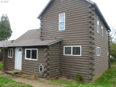 Single Family Home Pending: 162 SE Main St