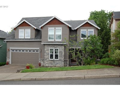 Happy Valley, Clackamas Single Family Home For Sale: 8940 SE Highgate Dr