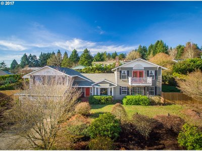 Newberg, Dundee Single Family Home For Sale: 276 NW Brier Ave