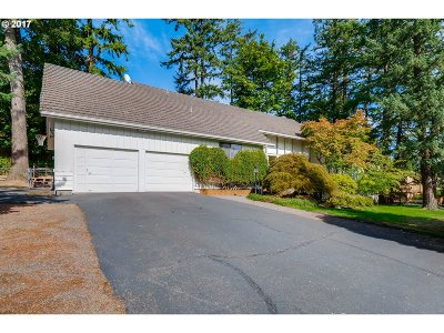 Portland Single Family Home For Sale: 12111 NW Sunningdale Dr