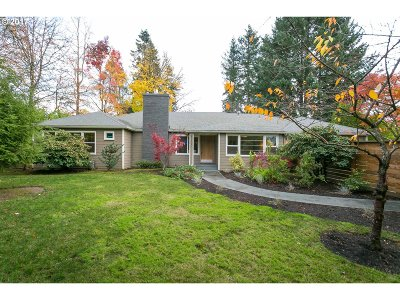 Single Family Home For Sale: 5200 SW Scholls Ferry Rd