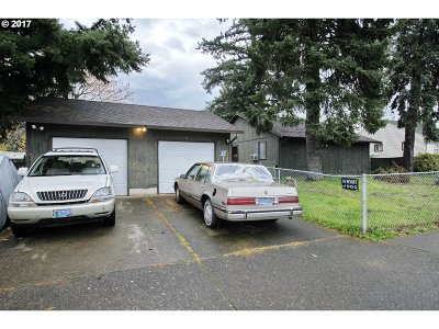 Portland Multi Family Home For Sale: 420 SE 172nd Ave