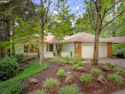 Lake Oswego Single Family Home For Sale: 1601 Woodland Ter