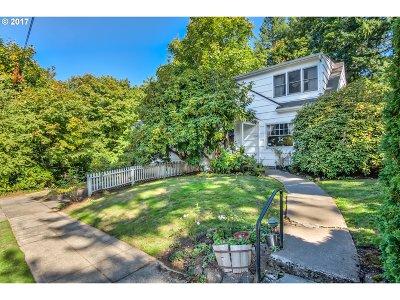 Portland Single Family Home For Sale: 3512 SW Beaverton Ave