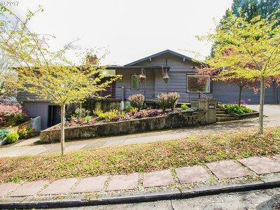 Multnomah County, Clackamas County, Washington County Single Family Home For Sale: 6910 SW Corbett Ave