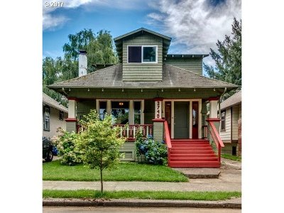 Portland Single Family Home For Sale: 3740 SE Sherman St
