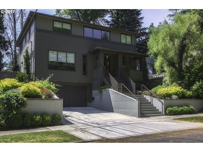 Portland Single Family Home For Sale: 431 SE 37th Ave