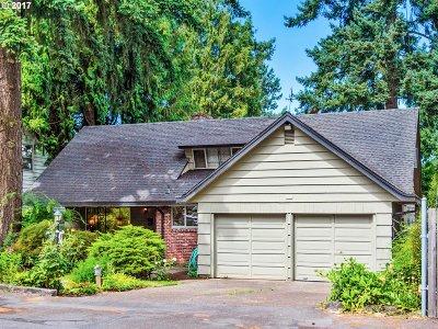 Single Family Home For Sale: 9831 NE Skidmore St