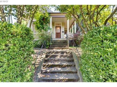 Portland Single Family Home For Sale: 1305 SE Clinton St