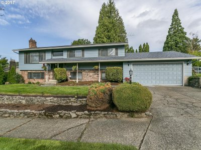 Gresham Single Family Home For Sale: 4101 SE El Camino Dr