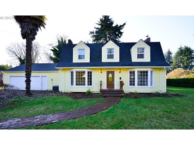 Coos Bay Single Family Home For Sale: 1185 Juniper Ave