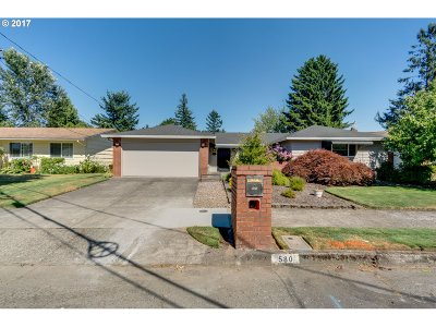 Gresham Single Family Home For Sale: 580 NW Bella Vista Dr