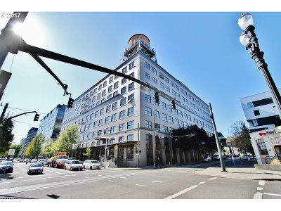Portland Condo/Townhouse For Sale: 1420 NW Lovejoy St #301