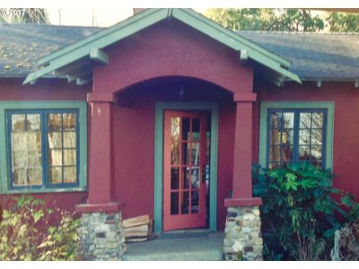 North Bend Single Family Home For Sale: 2148 Marion St