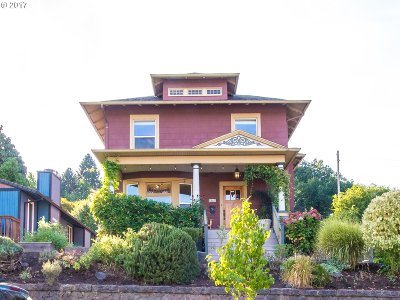 Portland Single Family Home For Sale: 3305 SE 10th Ave