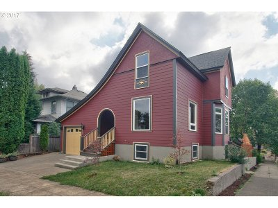 Portland Single Family Home For Sale: 2004 SE Ash St