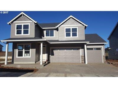 Sandy Single Family Home For Sale: 38327 Juniper St