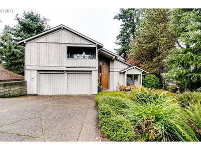 Eugene Single Family Home For Sale: 2296 Corinthian Ct