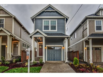 Portland Single Family Home For Sale: 3939 SE 36th Ave