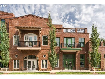Portland Condo/Townhouse For Sale: 3235 SW 1st Ave #5