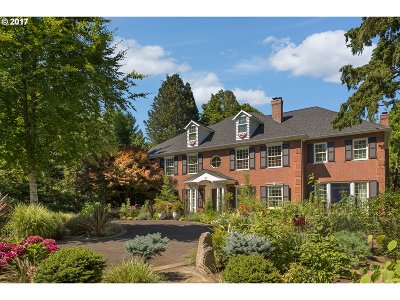Multnomah County Single Family Home For Sale: 01415 SW Military Rd