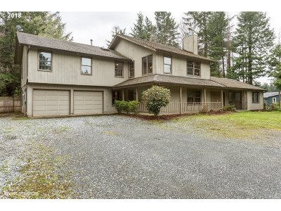 North Bend Single Family Home For Sale: 69241 Beaver Loop Rd