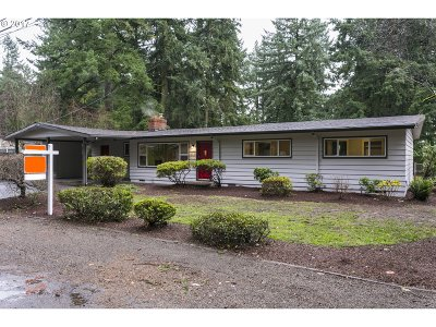 Lake Oswego Single Family Home For Sale: 16053 Lake Forest Blvd