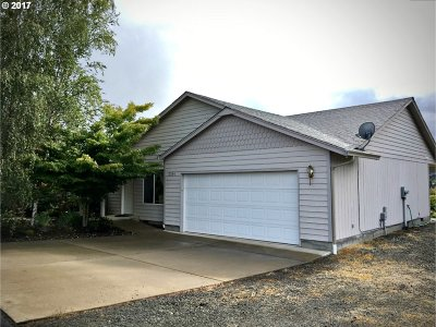 Sutherlin OR Single Family Home For Sale: $274,000