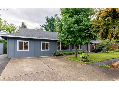 Tualatin Single Family Home For Sale: 17960 SW Sioux Ct