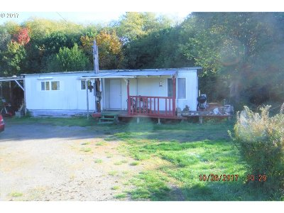 Coquille Single Family Home For Sale: 60135 Fairview Rd
