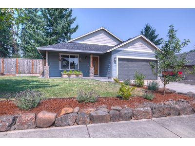 Scappoose Single Family Home For Sale: 34117 Adison St
