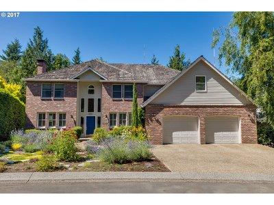 Single Family Home For Sale: 585 SW Regency Pl