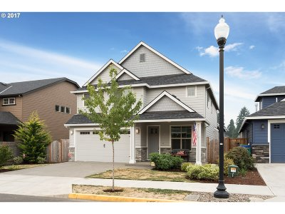 Clackamas Single Family Home For Sale: 14517 SE 154th Dr