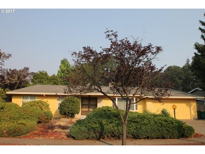 Single Family Home For Sale: 7755 SW Bel Aire Dr